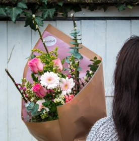 Classic Flower Wrap – Weekly Friday Delivery