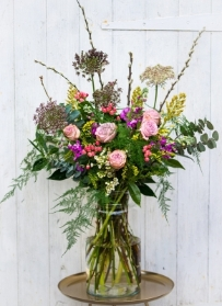 Luxe Flowers in the Vase – Weekly Friday Delivery