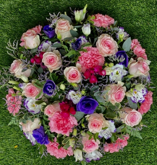 Mixed flower posy pad