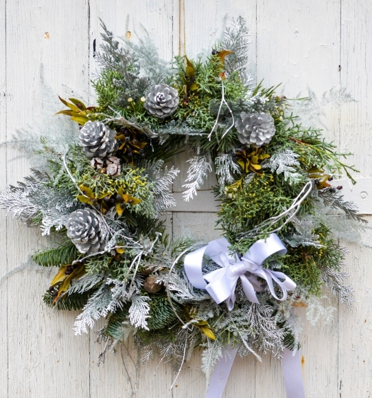Silvery Whispers Door Wreath